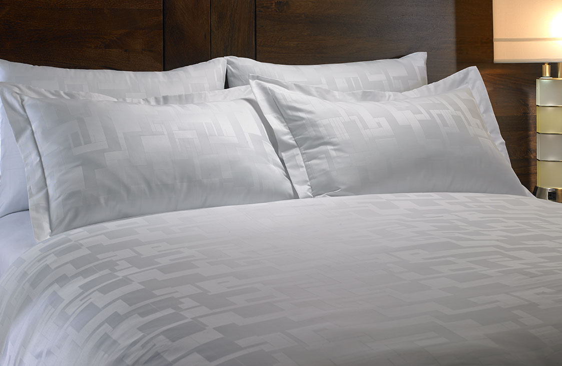 Buy Luxury Hotel Bedding From Marriott Hotels Angles