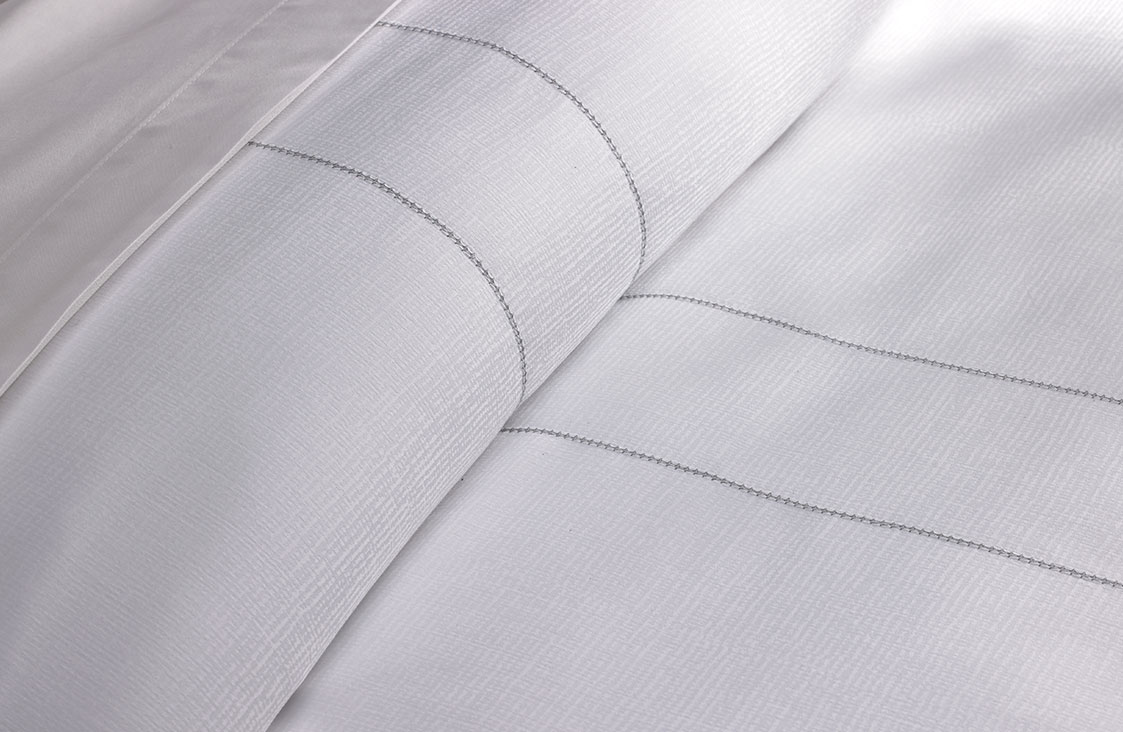 Platinum Stitch Linen Set