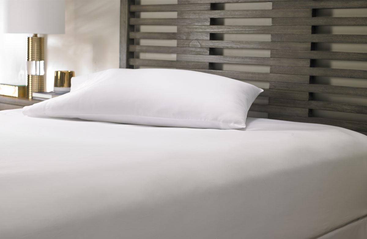 Marriott White Hemstitch Fitted Sheet