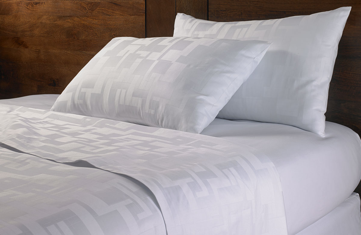 Buy luxury hotel bedding from marriott hotels angles for Luxury hotel 750 collection sheets