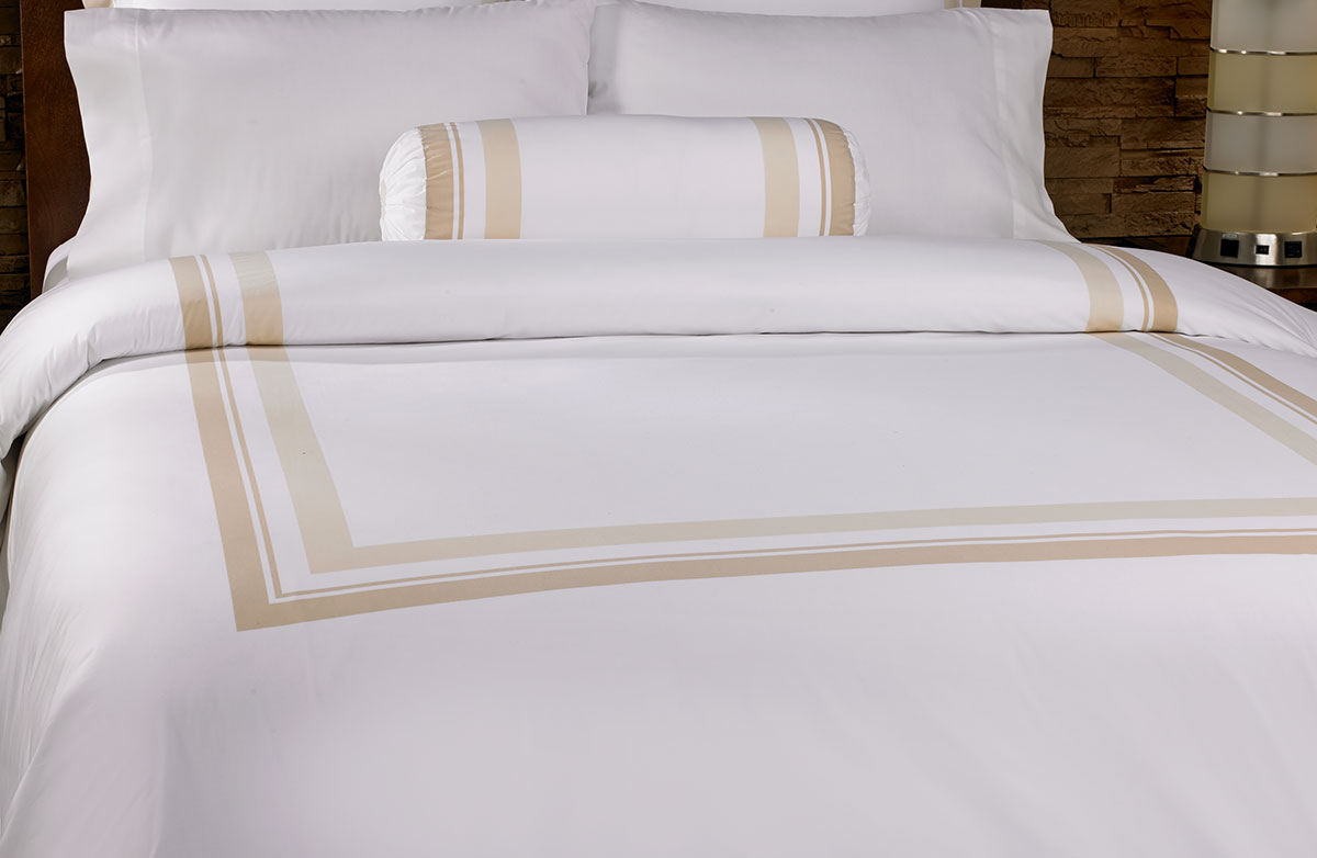 Buy luxury hotel bedding from marriott hotels block for Types of bed covers